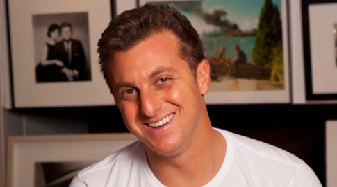 Número de WhatsApp do Luciano Huck